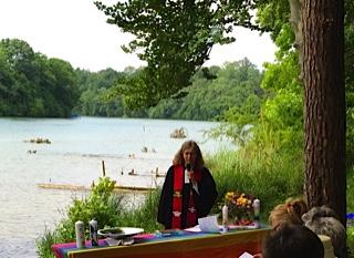 Gottesdienst am Rhein, Pfingsten